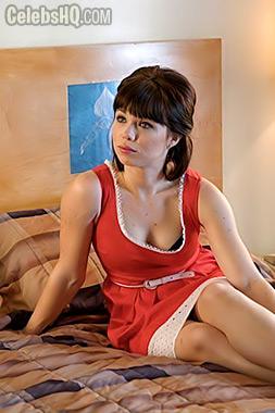 Amanda Fuller Hot Pics photo 22