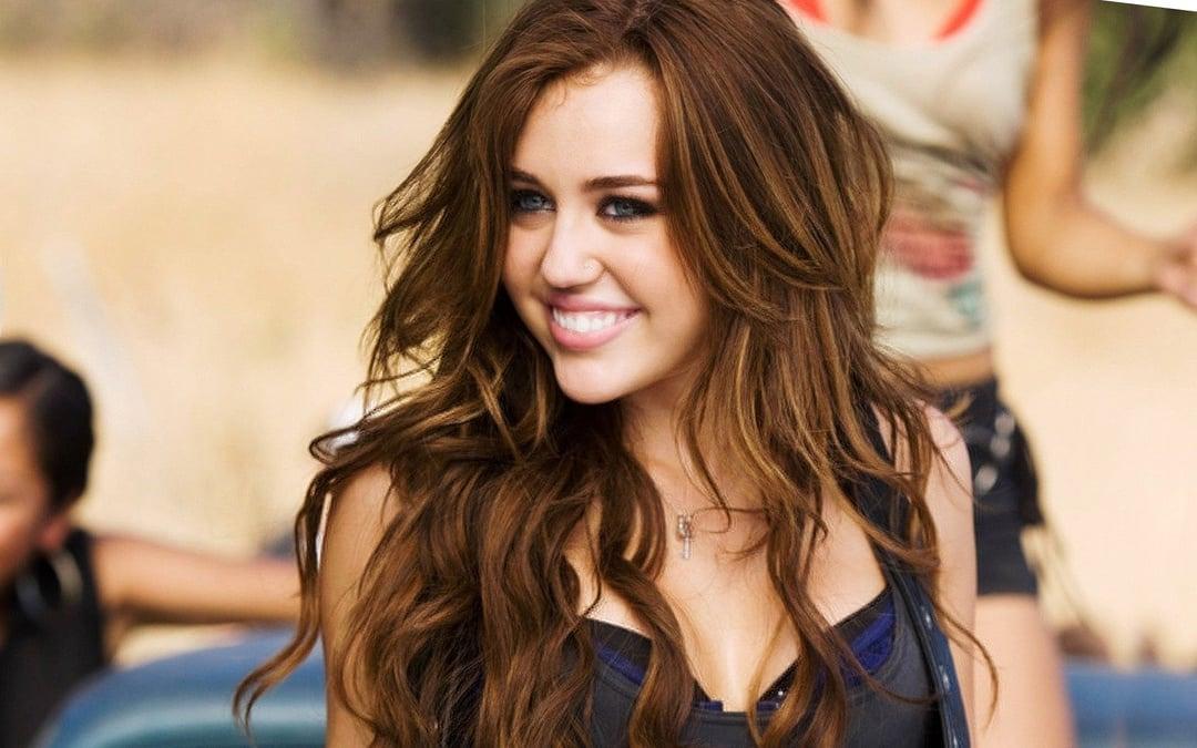Miley Cyrus Upskirt Pussy photo 23