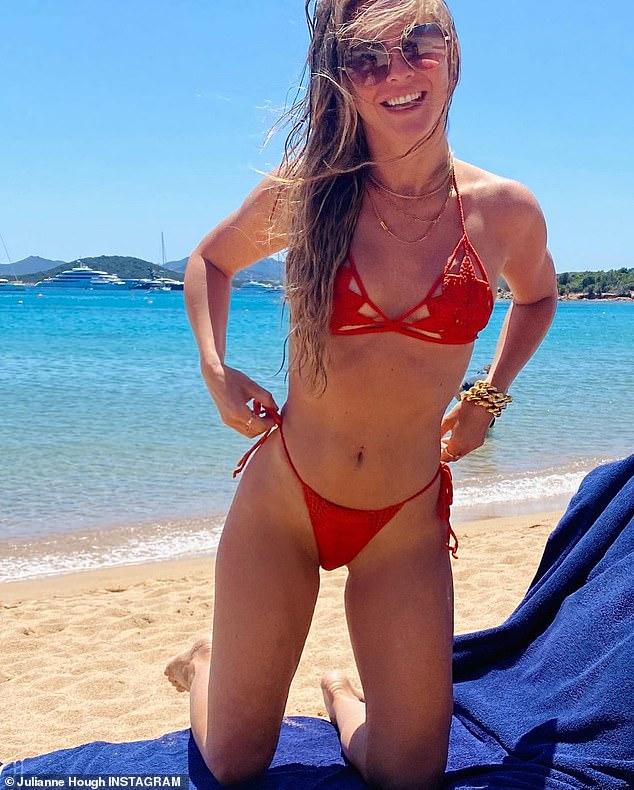 Beach Julianne Hough photo 11