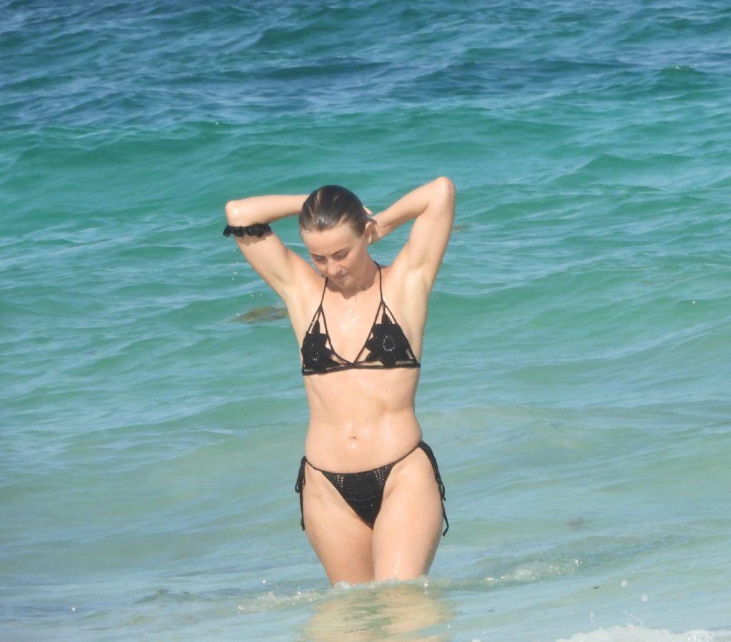 Beach Julianne Hough photo 26