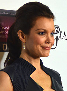 Bellamy Young Sexy photo 1