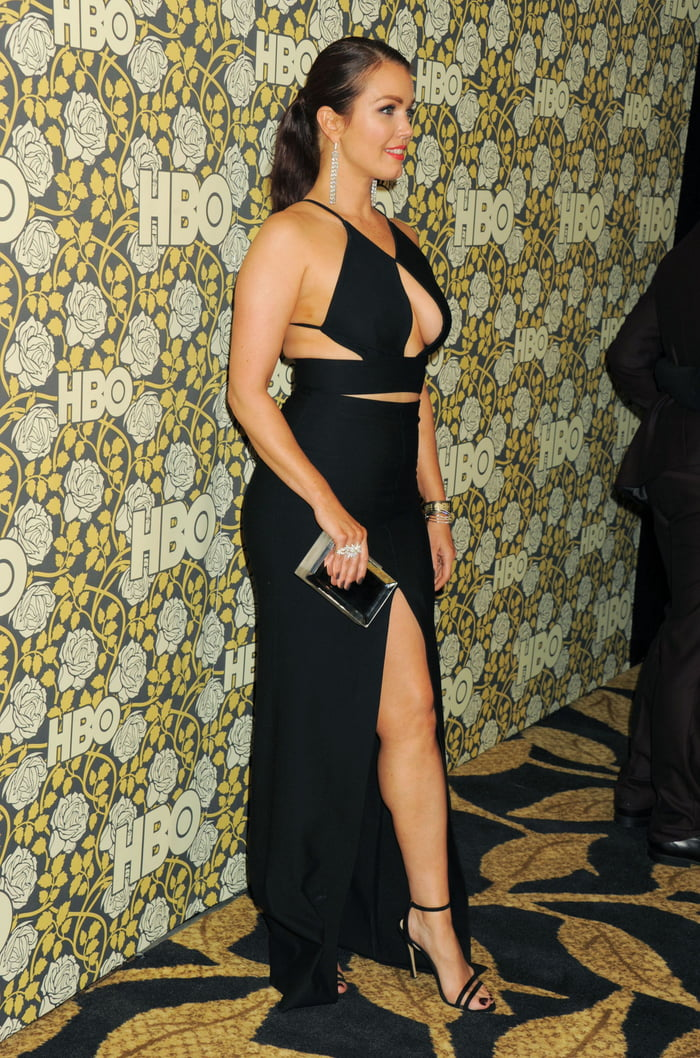 Bellamy Young Sexy photo 6