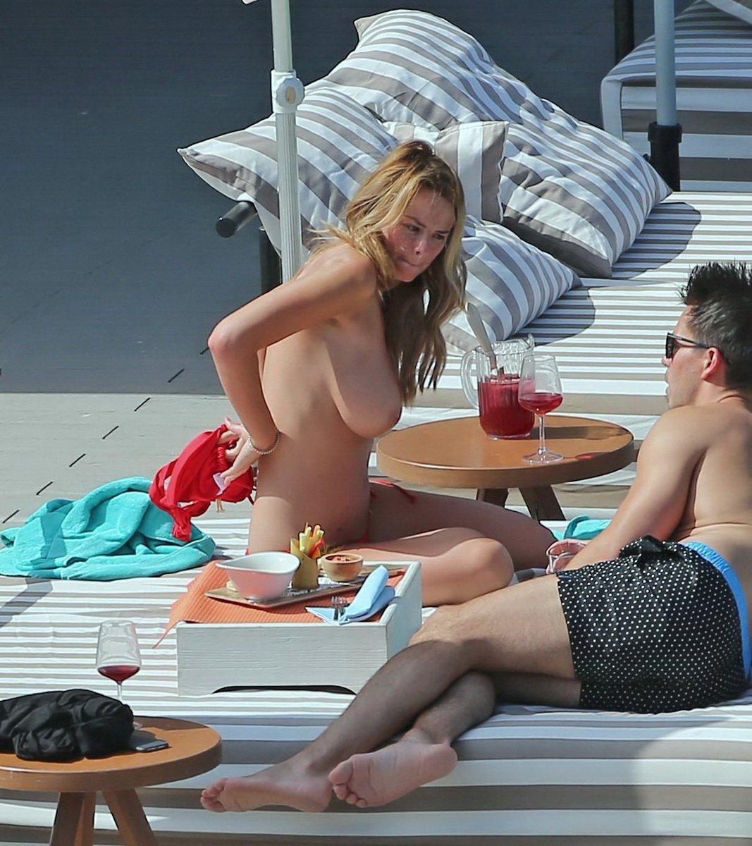 Celeb Topless Photos photo 13
