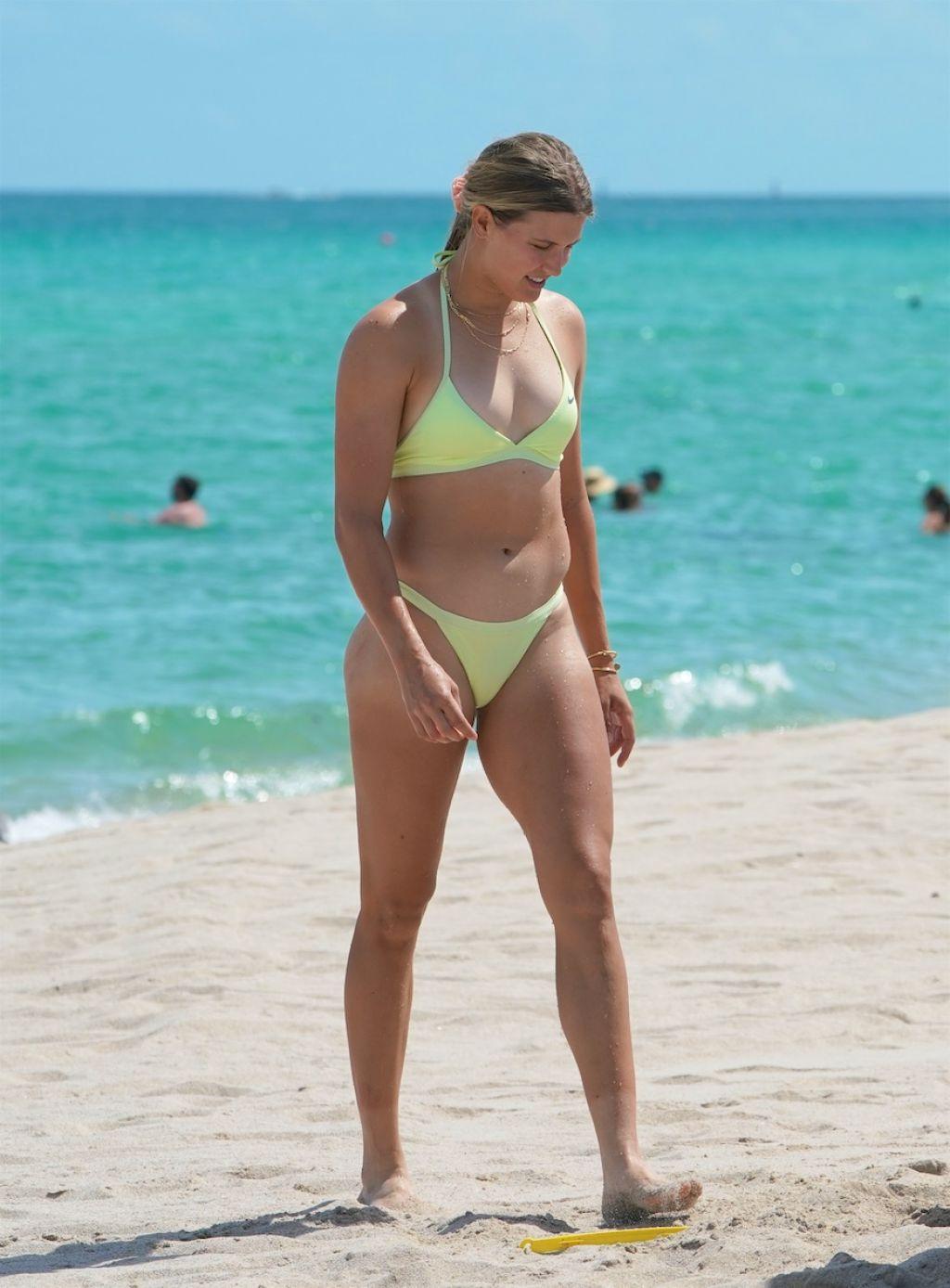 Bouchard Bikini photo 19