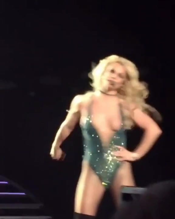 Britney Spears Tits Out photo 13