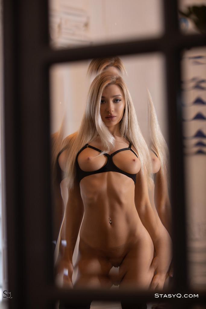 Angelica Naked photo 17