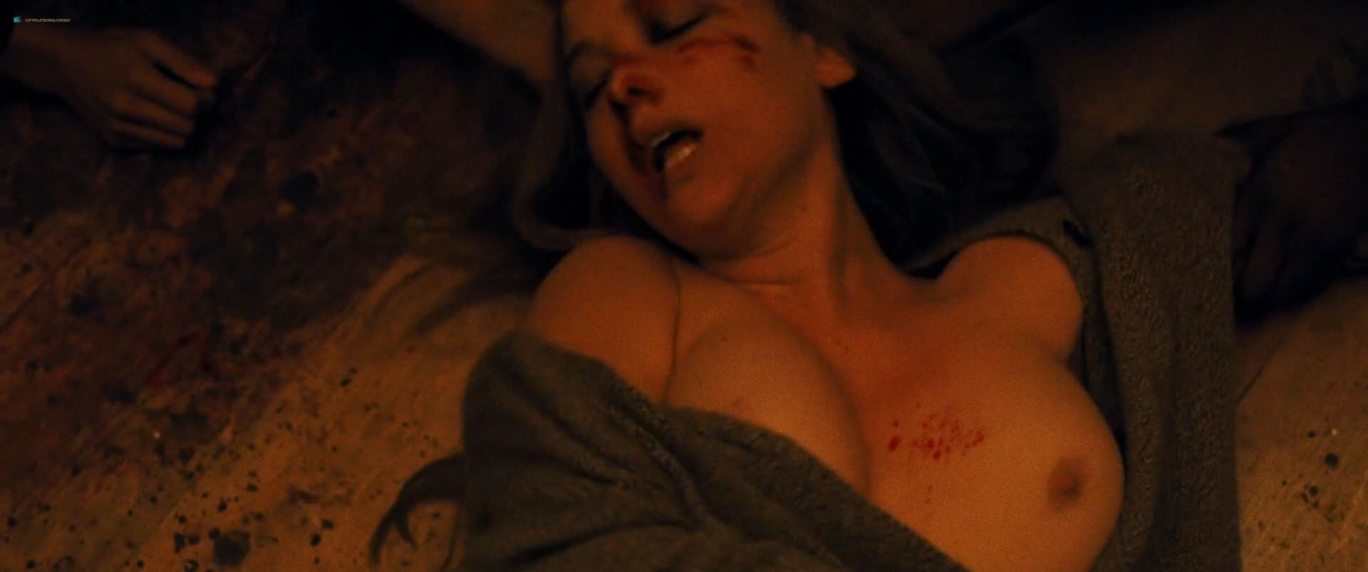 Jennifer Lawrence Tits In Mother photo 30