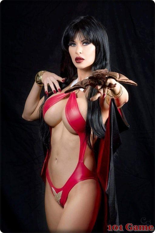 Sexy Vampirella Cosplay photo 20
