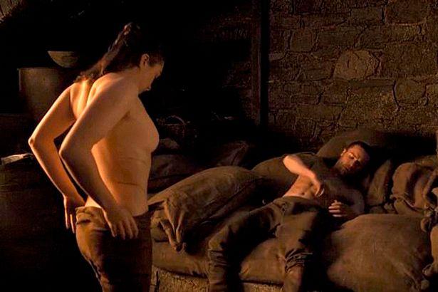 Arya Naked Got photo 14