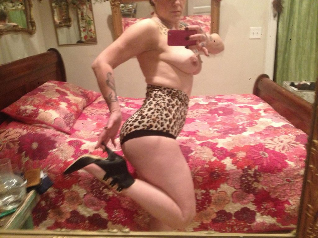 Colby Cushman Nude photo 4