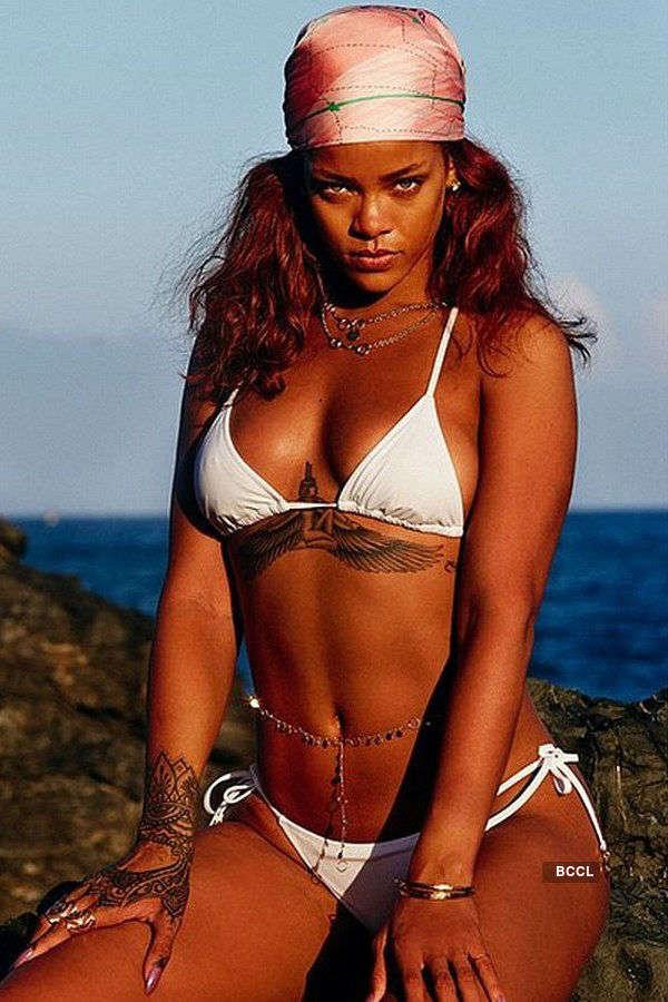 Rihanna Sexy Photoshoot photo 11