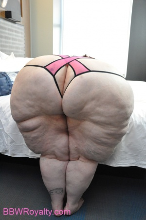 Pawg Huge Ass photo 14