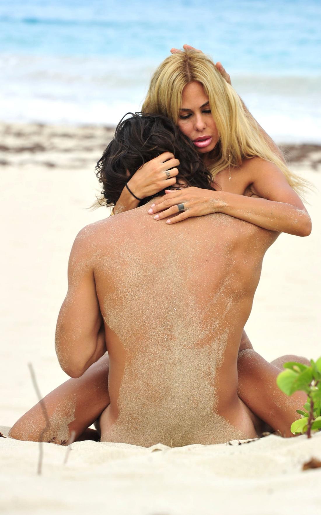Shauna Sand Topless photo 19