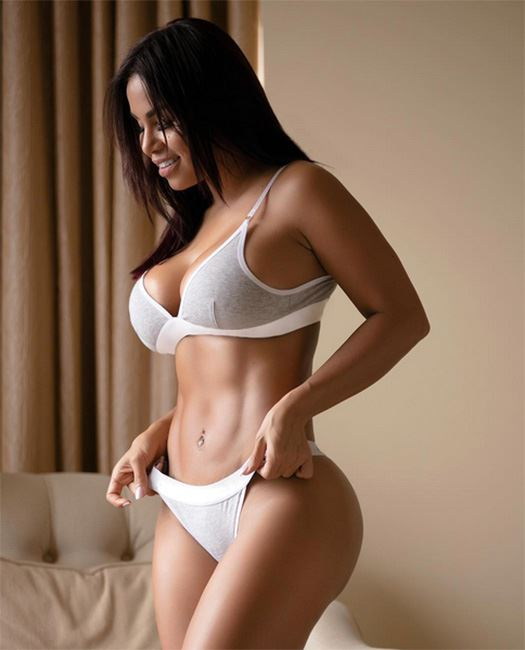 Dolly Castro Naked Pics photo 3