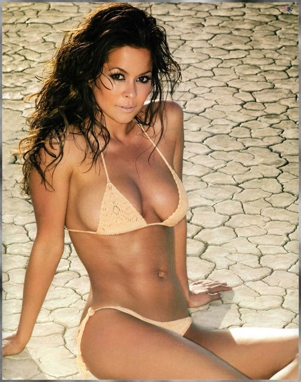 Brooke Burke Hot Photos photo 17