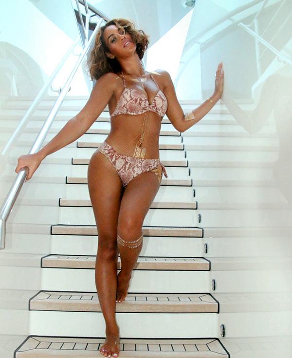 Beyonce Bikini Photos photo 2