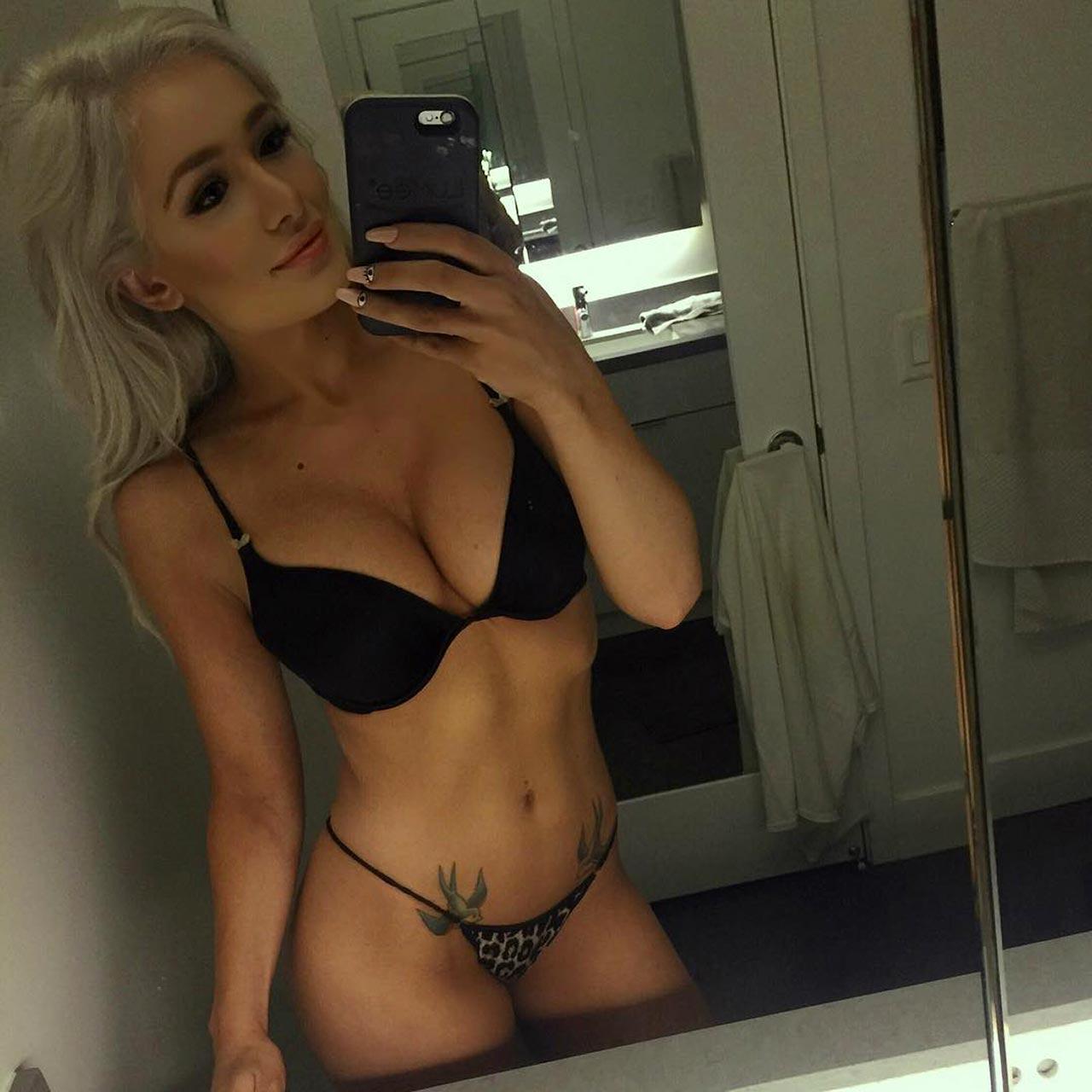 Scarlett Bordeaux Tits photo 10
