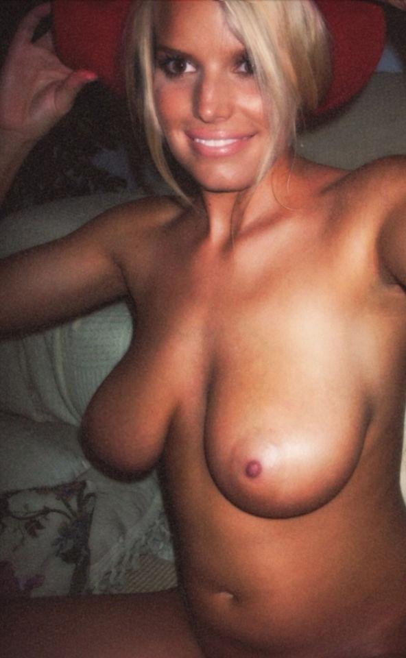 Celebrity Leaked Photos Uncensored photo 25