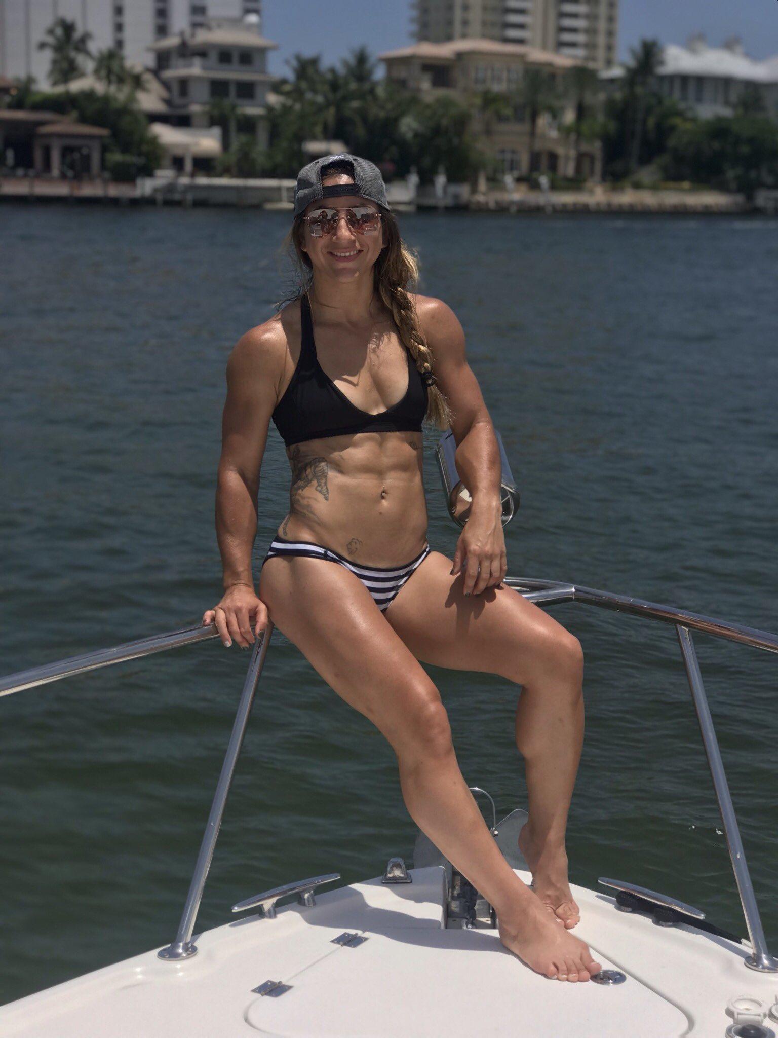 Tecia Torres Sexy photo 5