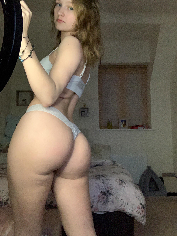 Pale Big Booty photo 10