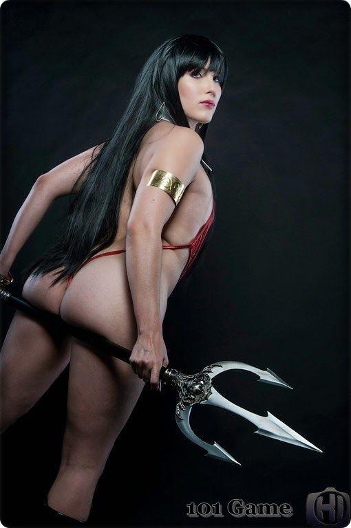 Sexy Vampirella Cosplay photo 7