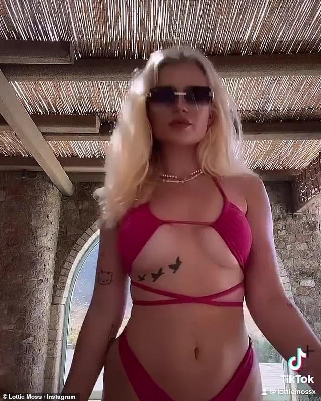 Lottie Moss Bikini photo 2