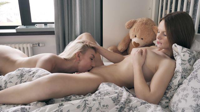 Ginger Lesbian Sex photo 1