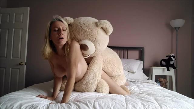 Girl Fucking Teddy Bear photo 19