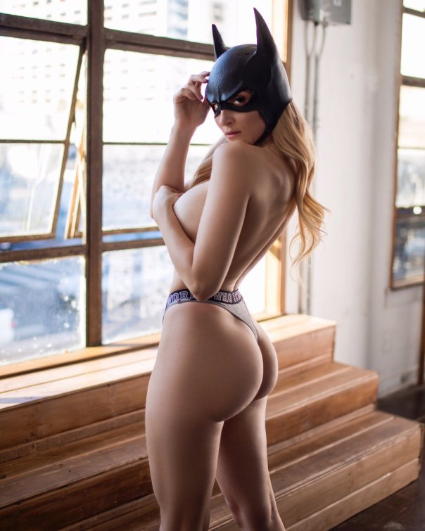 Holly Wolf Nude Cosplay photo 1