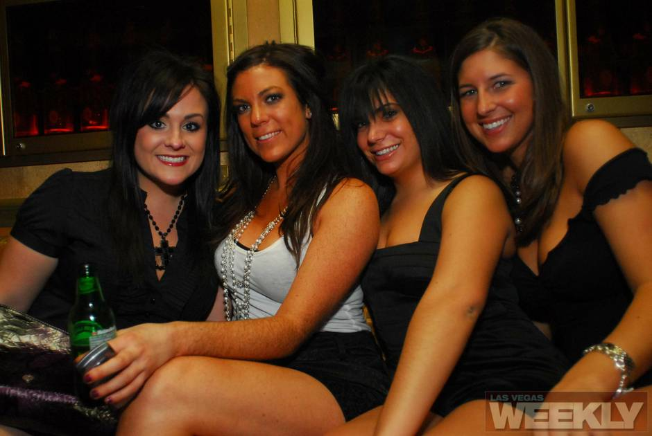 Hot Chicks Party photo 6