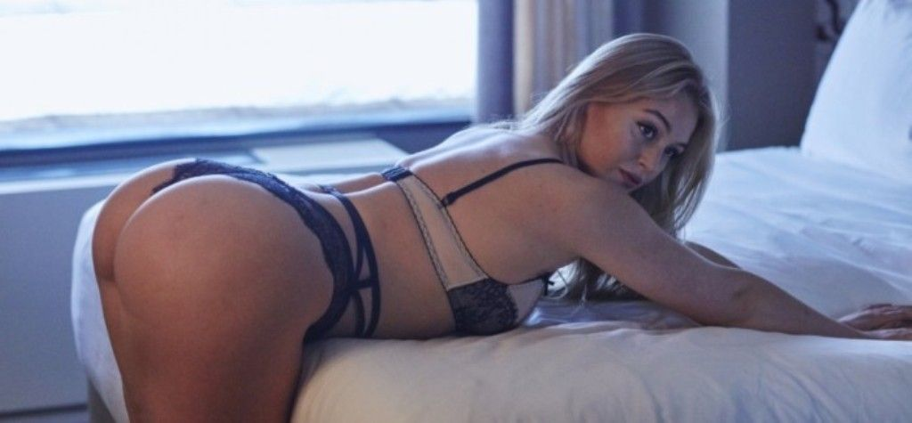 Iskra Lawrence Sexy photo 13