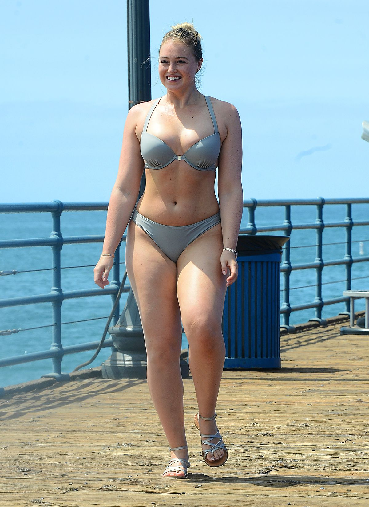 Iskra Lawrence Sexy photo 27