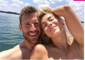 Julianne Hough Topless Instagram photo 19