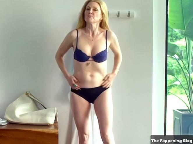 Julianne Moore Fappening photo 24