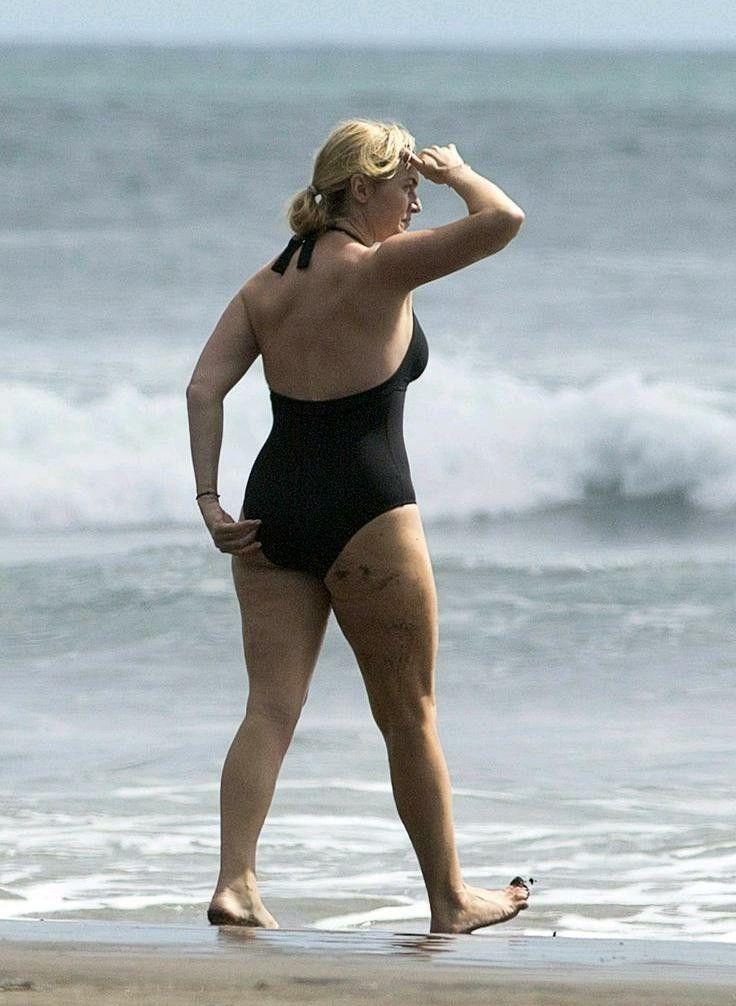 Kate Winslet Bikini Photos photo 19