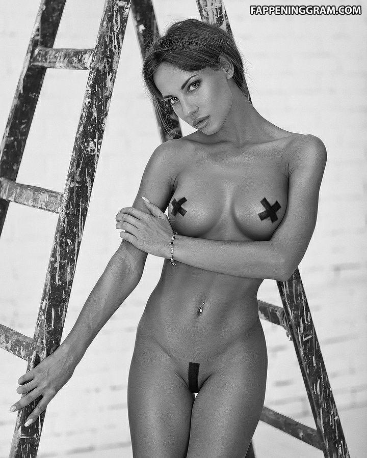 Katerina Rubinovich Naked photo 4