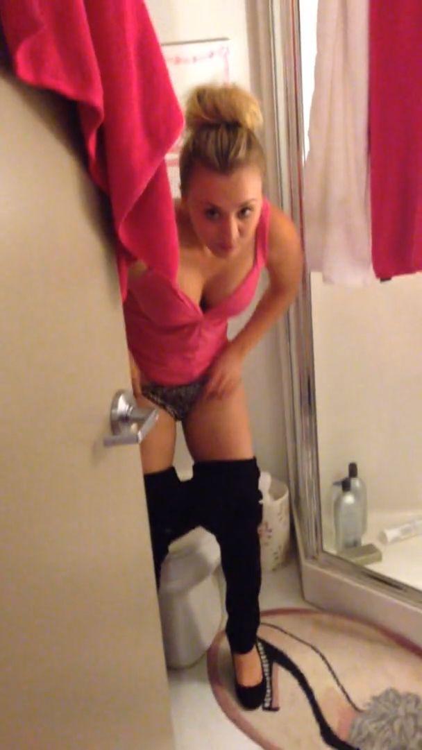 Kelly Cuoco Fappening photo 1