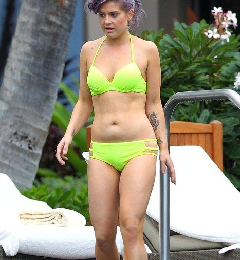 Kelly Osborne Hot photo 12