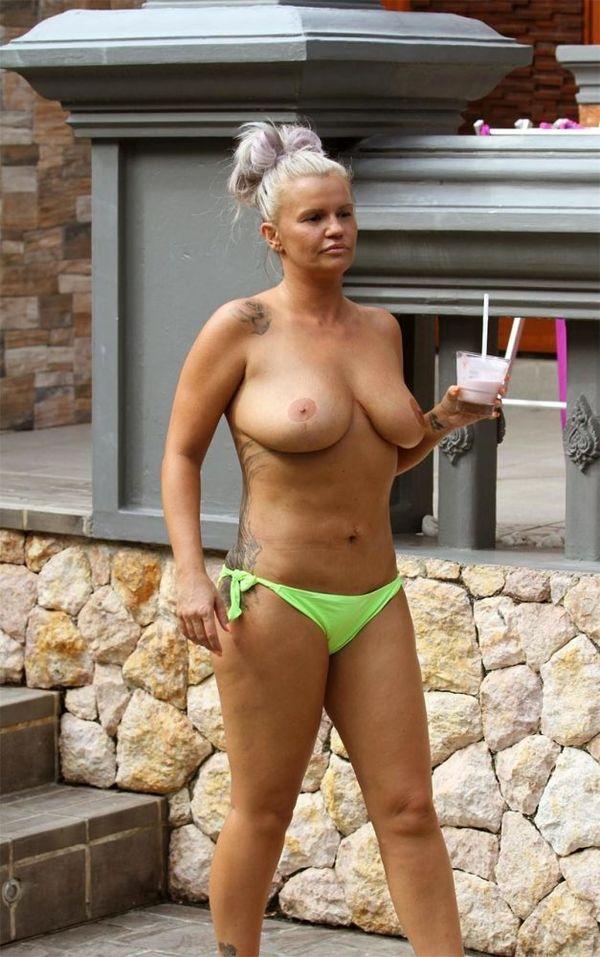 Kerry Bishé Naked photo 6