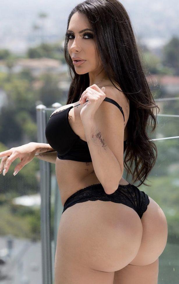 Kim Kardashin Porno photo 19