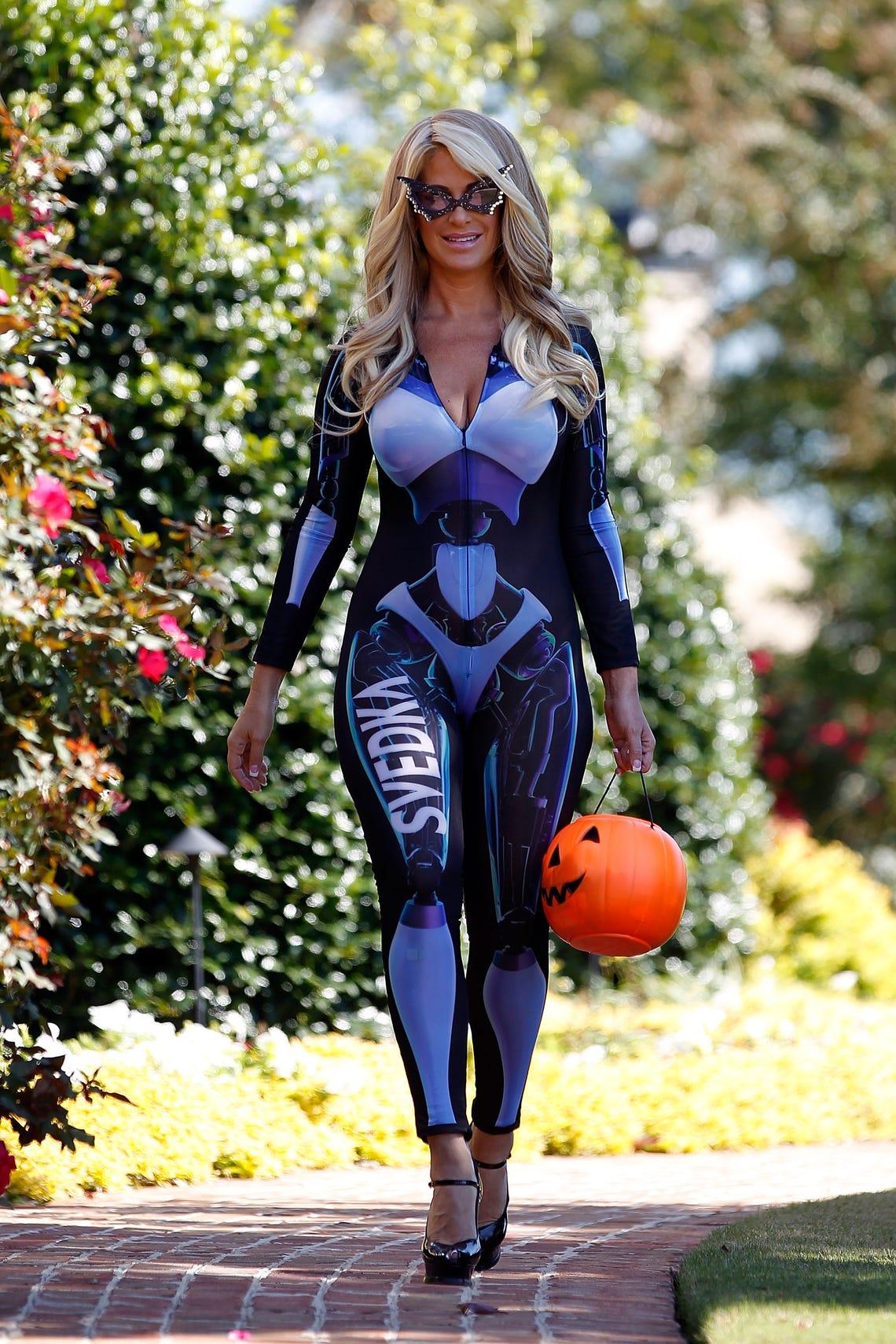 Kim Zolciak Sexy photo 20