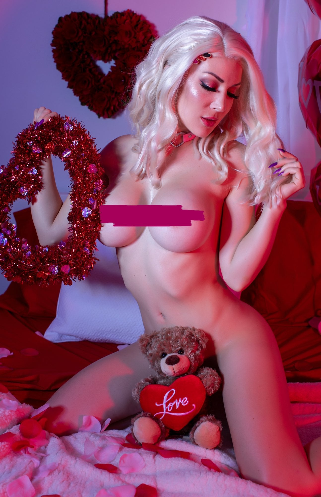 Kristen Hughey Topless photo 26