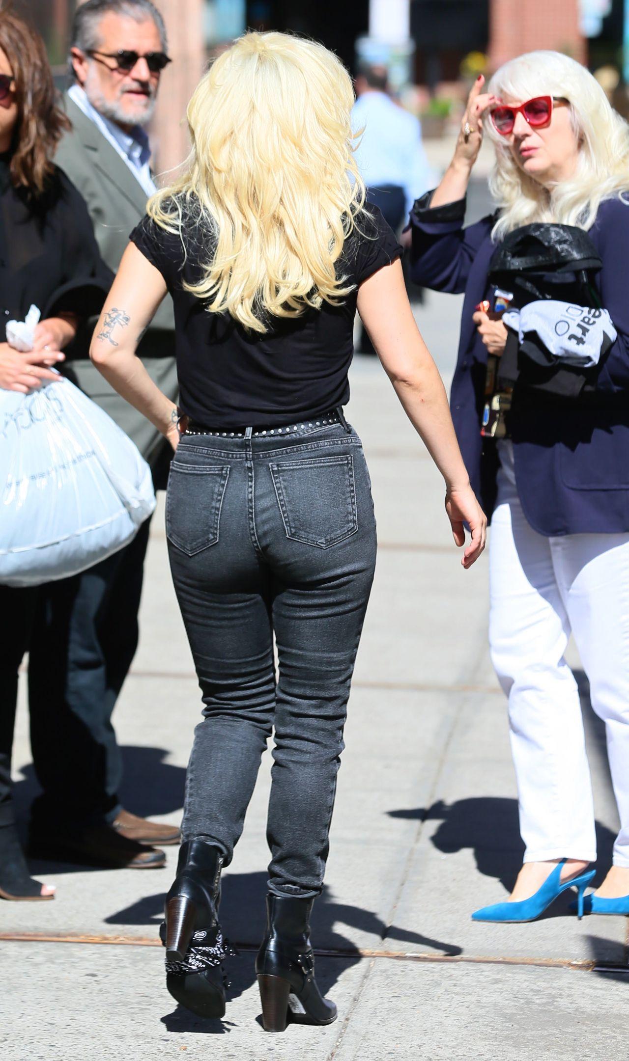 Lady Gaga Ass Pics photo 6