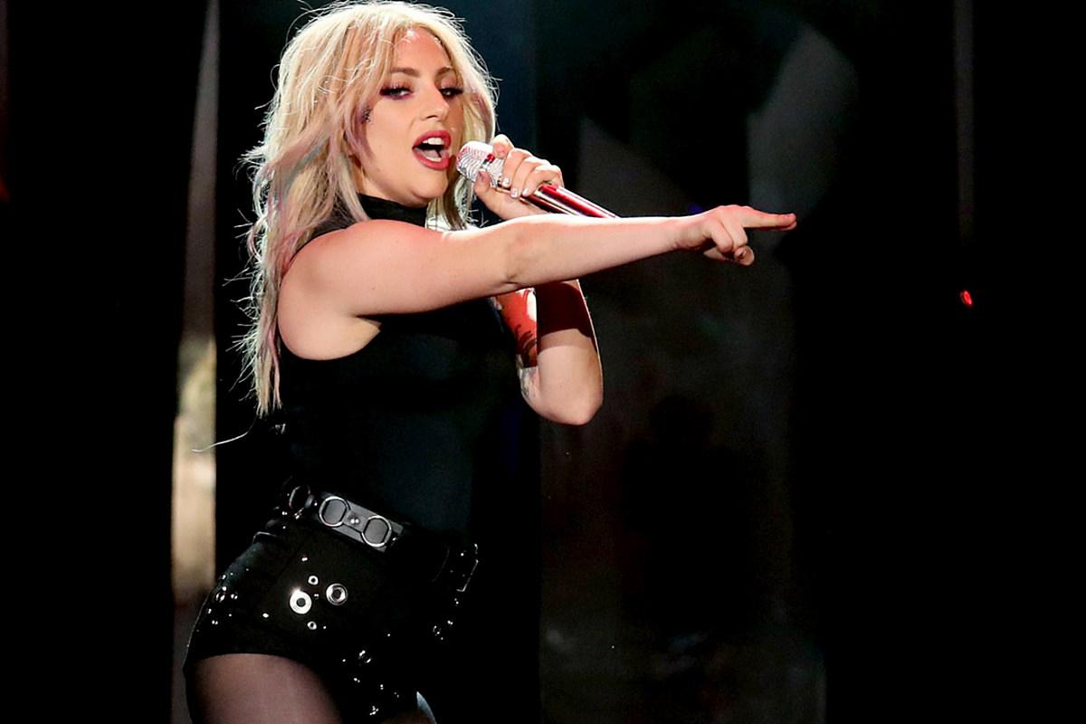 Lady Gaga Bare Butt photo 29