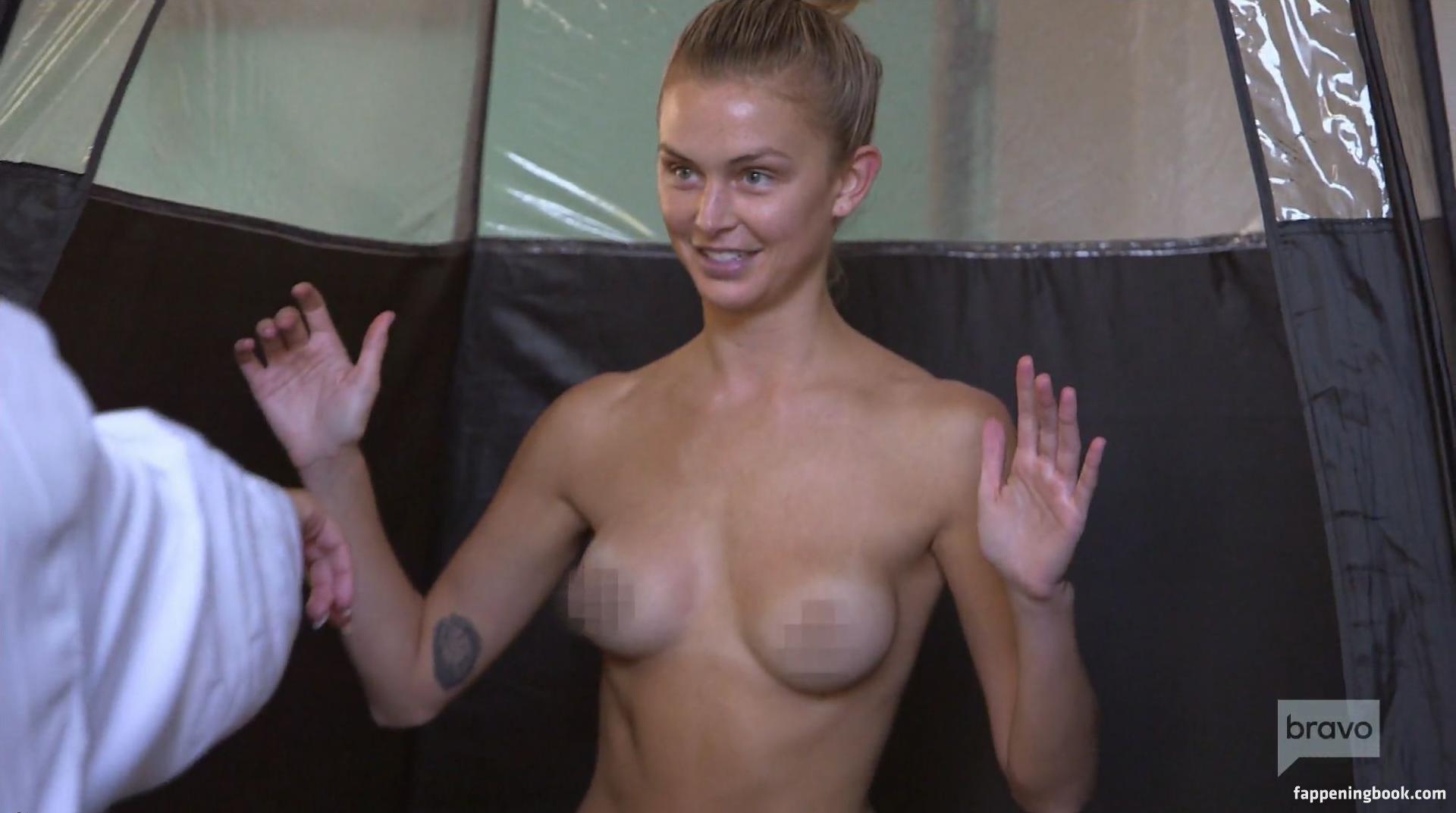 Lala Kent Topless photo 17