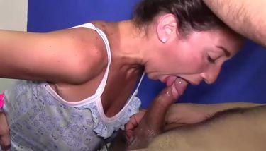Latina Deep Throat photo 26