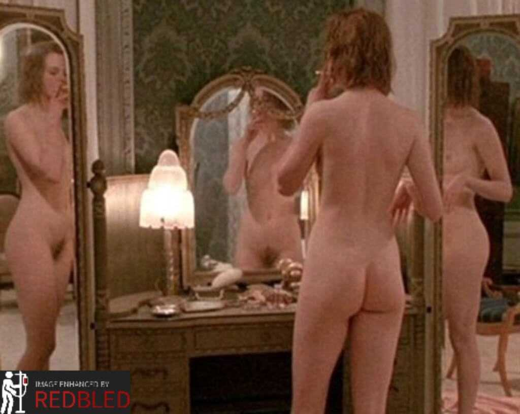 Linda Cardellini Nude photo 16