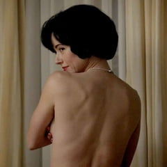 Linda Cardellini Nude photo 10