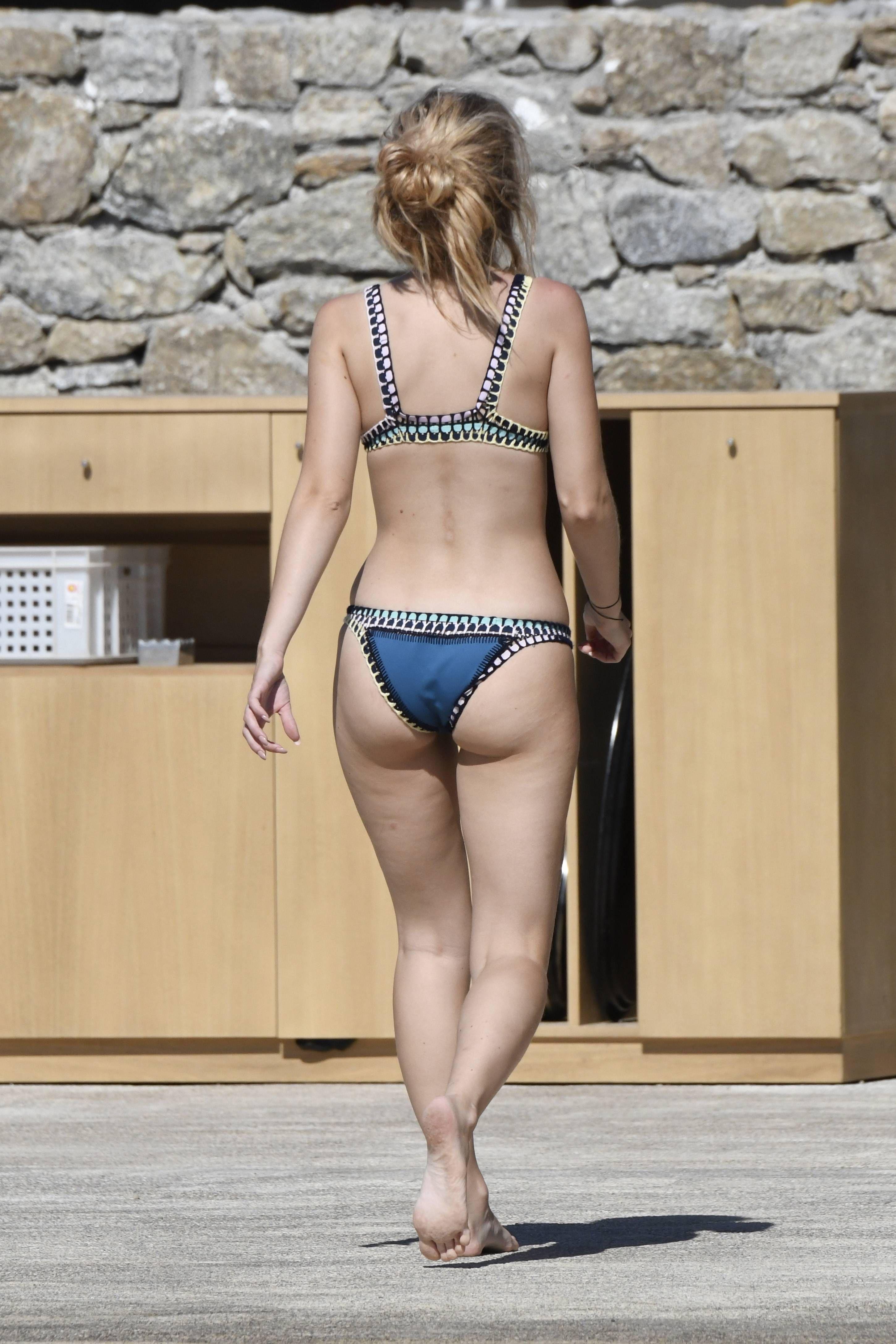 Lottie Moss Bikini photo 26