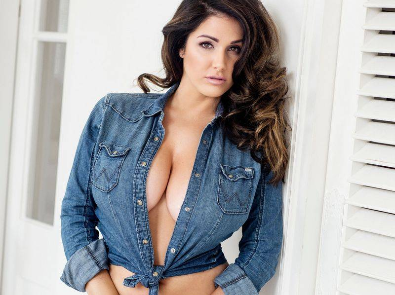 Lucy Pinder 2017 photo 14